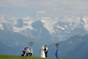 最热门的欧洲婚礼目的地之一,雪山草地的浪漫约定瑞士海外婚礼