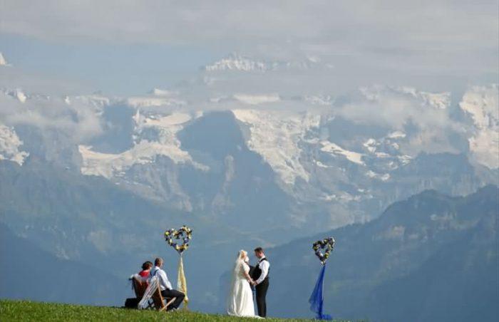 便宜又方便的瑞士旅行结婚婚礼套餐,就在贝阿滕贝格Beatenberg