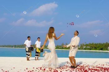 马尔代夫签约免租金度假岛办婚礼太划算!